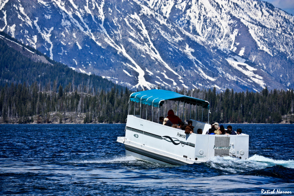 Jenny-lake-wyoming-boating-pictures